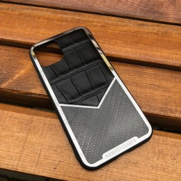 Чехол на iPhone 11 Pro крокодил-карбон
