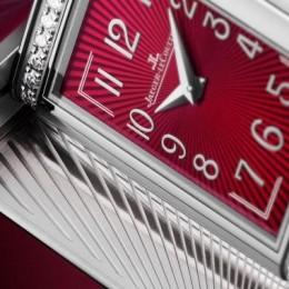 Jaeger-LeCoultre Reverso One Red-Wine – часы, неподвластные времени