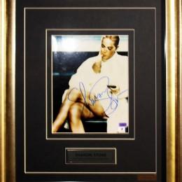 Шерон Стоун (автограф на фото)