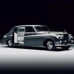 Пробег в 400 км, цена в 500 000 $ и бар в салоне – первый в мире электрический Rolls Royce уже здесь