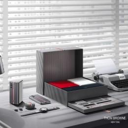 Samsung и Thom Browne создали эксклюзивный смартфон Galaxy Z Fold 2 за 3300 $