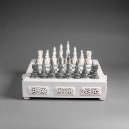Шахматы из бивня мамонта Барон