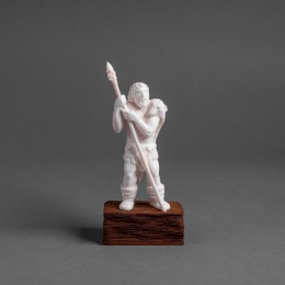 Скульптура Охотник с копьём (h=15 см)