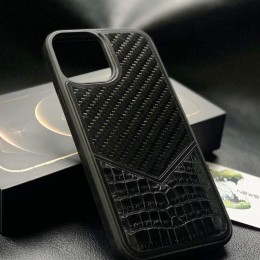 Чехол на iPhone 12 крокодил-карбон (в наличии)