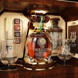 Набор виски за 2 миллиона долларов с часами и эксклюзивным яйцом Фаберже