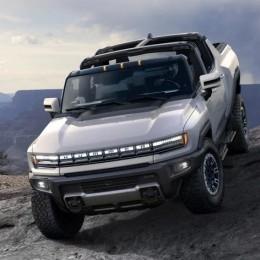 Любитель заплатил 2,5 миллиона долларов за первый электрический пикап GMC Hummer EV