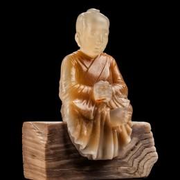 Медитация (окаменелое дерево, медовый нефрит, сердолик)