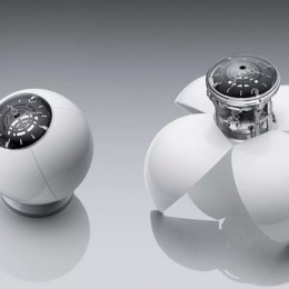 Футуристичные и преобразуемые настольные часы «Orb» от MB&F and L'Epee 1839