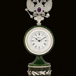 Часы с нефритом
