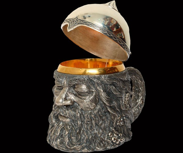 Пивная кружка из серебра с позолотой