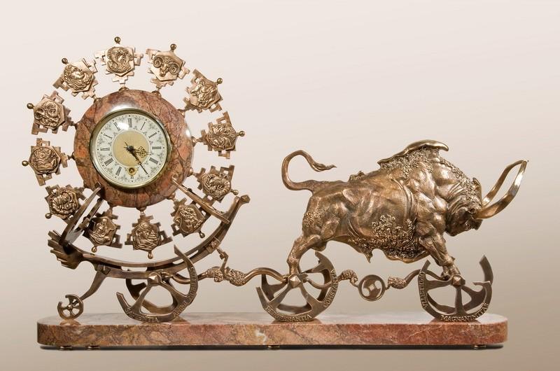 Бык и часы Зевс
