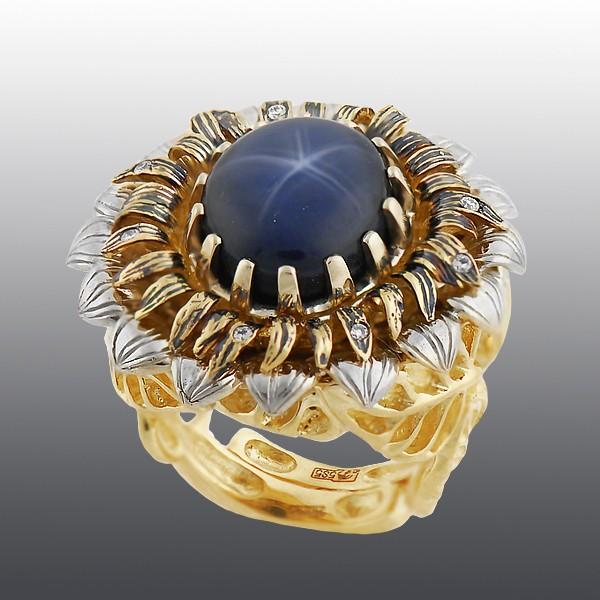 Кольцо со звездчатым сапфиром и бриллиантами
