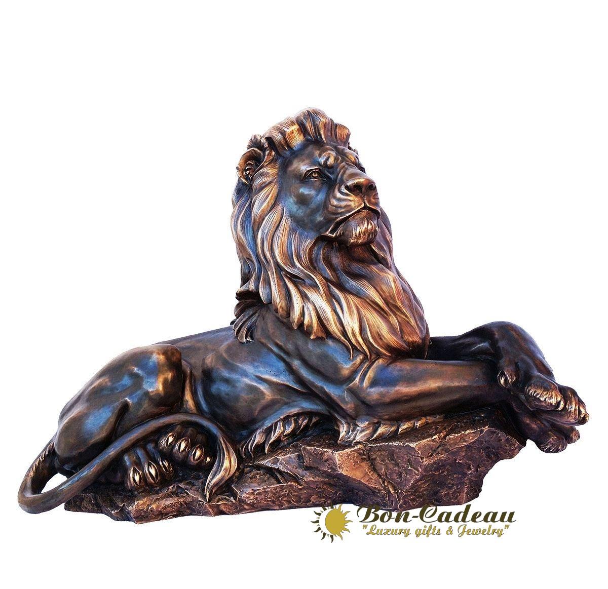 Скульптура из бронзы Лев на отдыхе