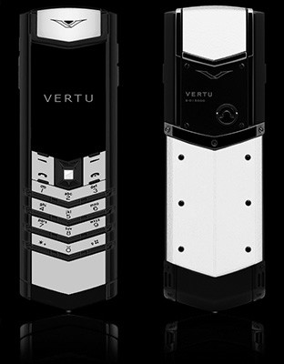 Vertu Signature White Ceramic, Black Leather