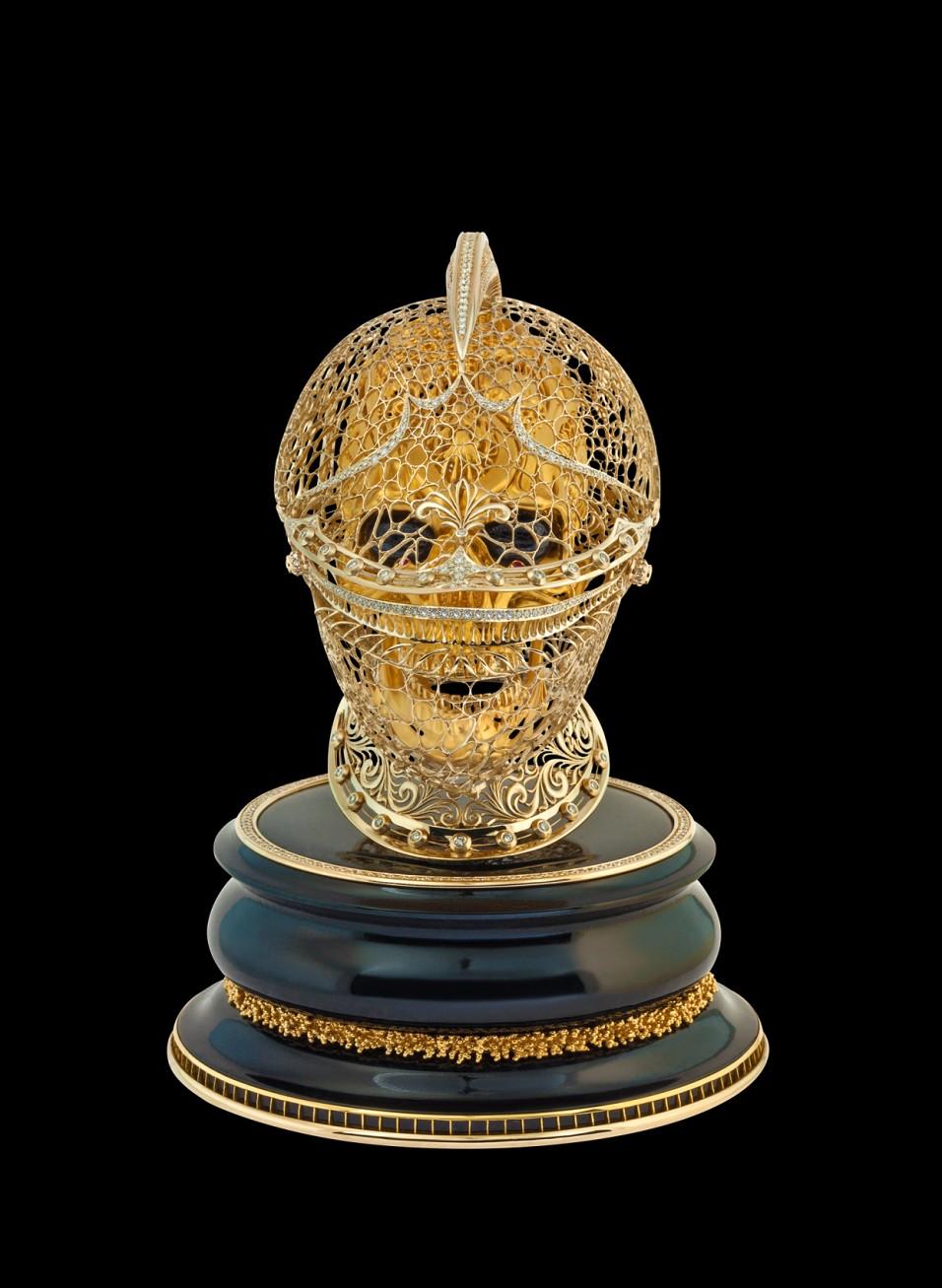 большой череп из золота