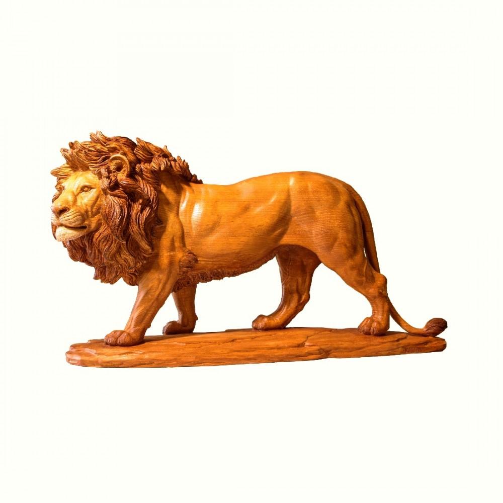 Лев (каштан)