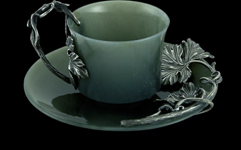 Чашка с блюдцем из голубого нефрита