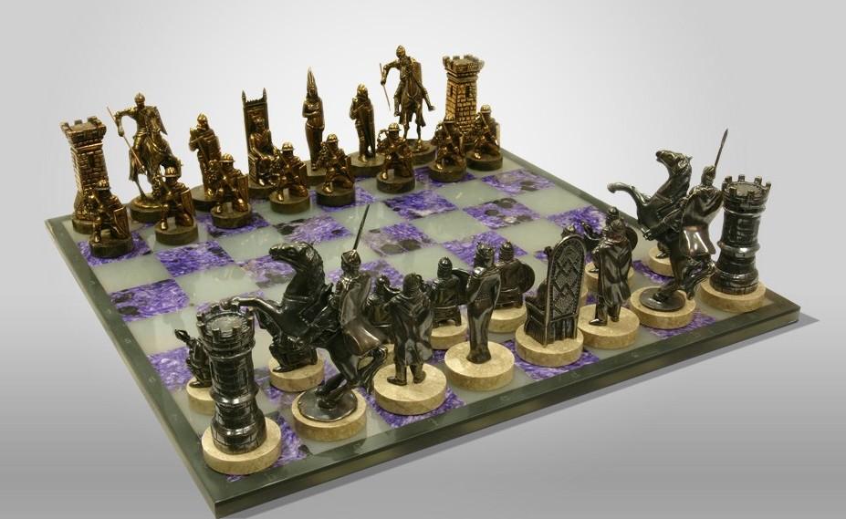 Шахматы «Рыцарские» (бронза, нефрит, чароит)