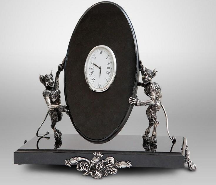 """Часы из бронзы и нефрита """"Чертово время"""""""