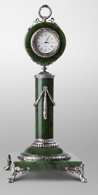 """Каминные часы """"Фаберже в зеленом"""""""