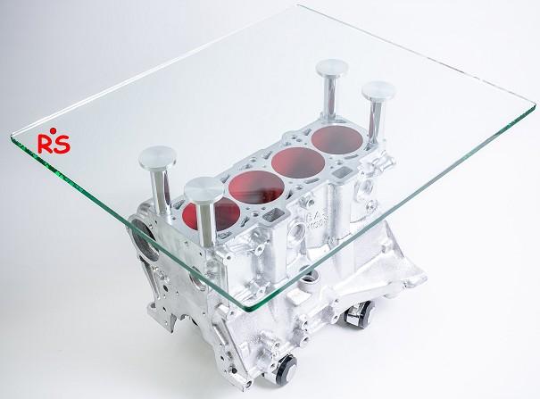 Стол в форме двигателя