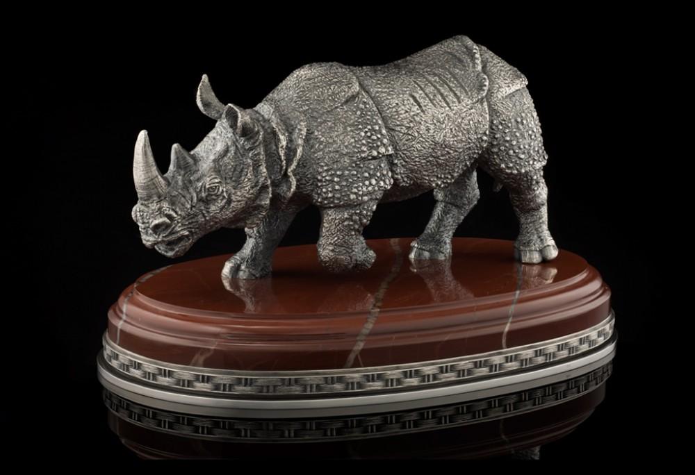 Носорог из серебра (19 см)