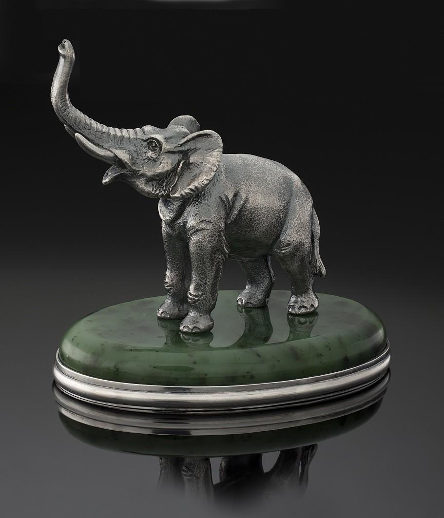 Слон маленький
