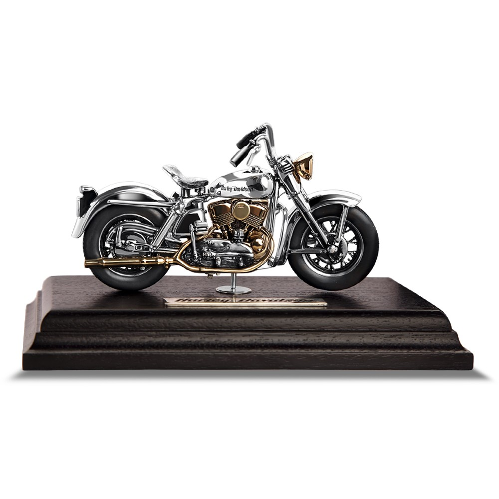 Модель мотоцикла из серебра Harley Davidson