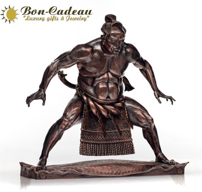 Борец сумо (бронза, высота 50 см)