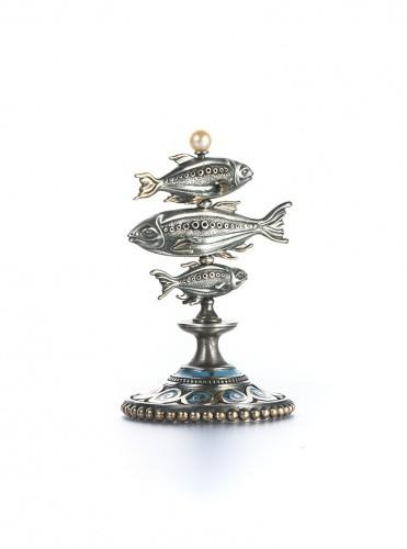 Статуэтка из серебра Рыбы