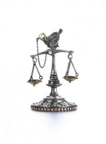 Статуэтка из серебра Весы