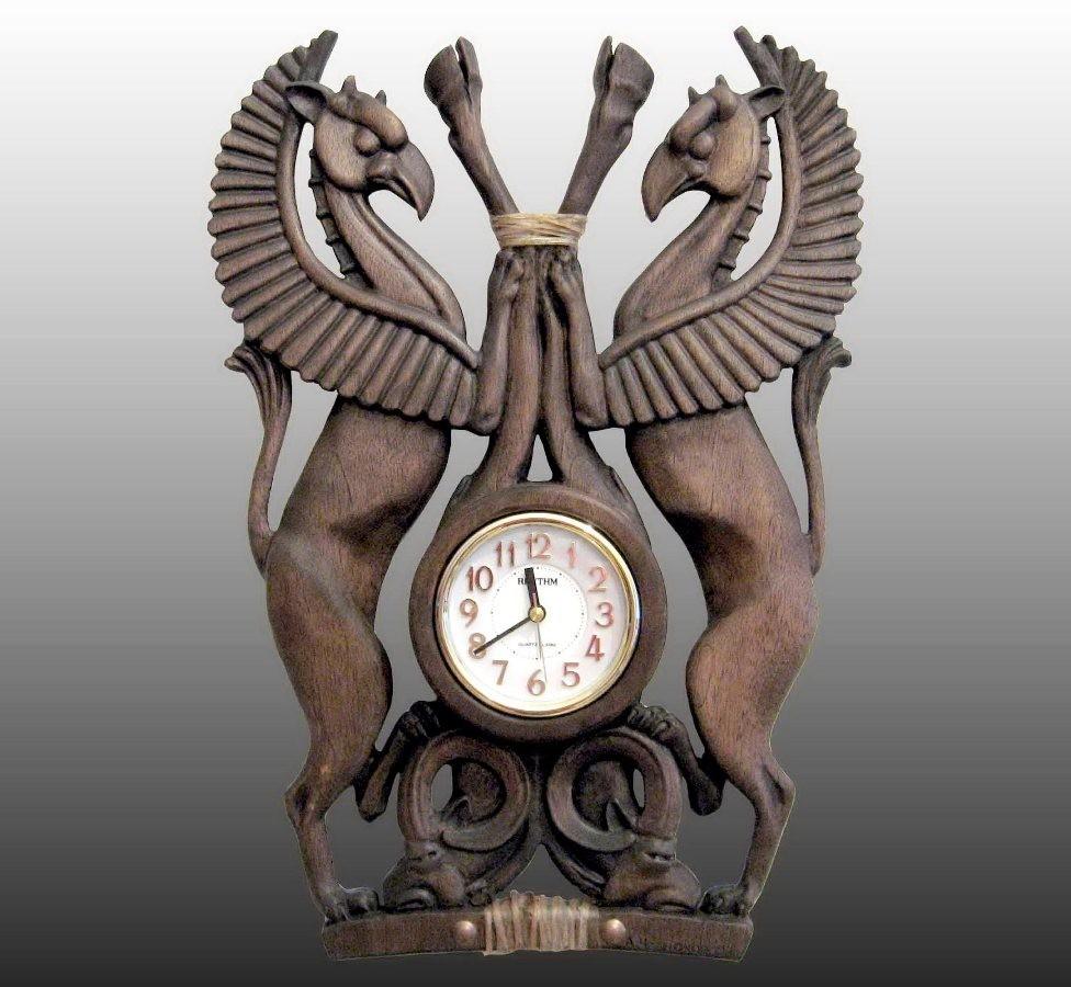 """Часы """"Грифоны"""""""
