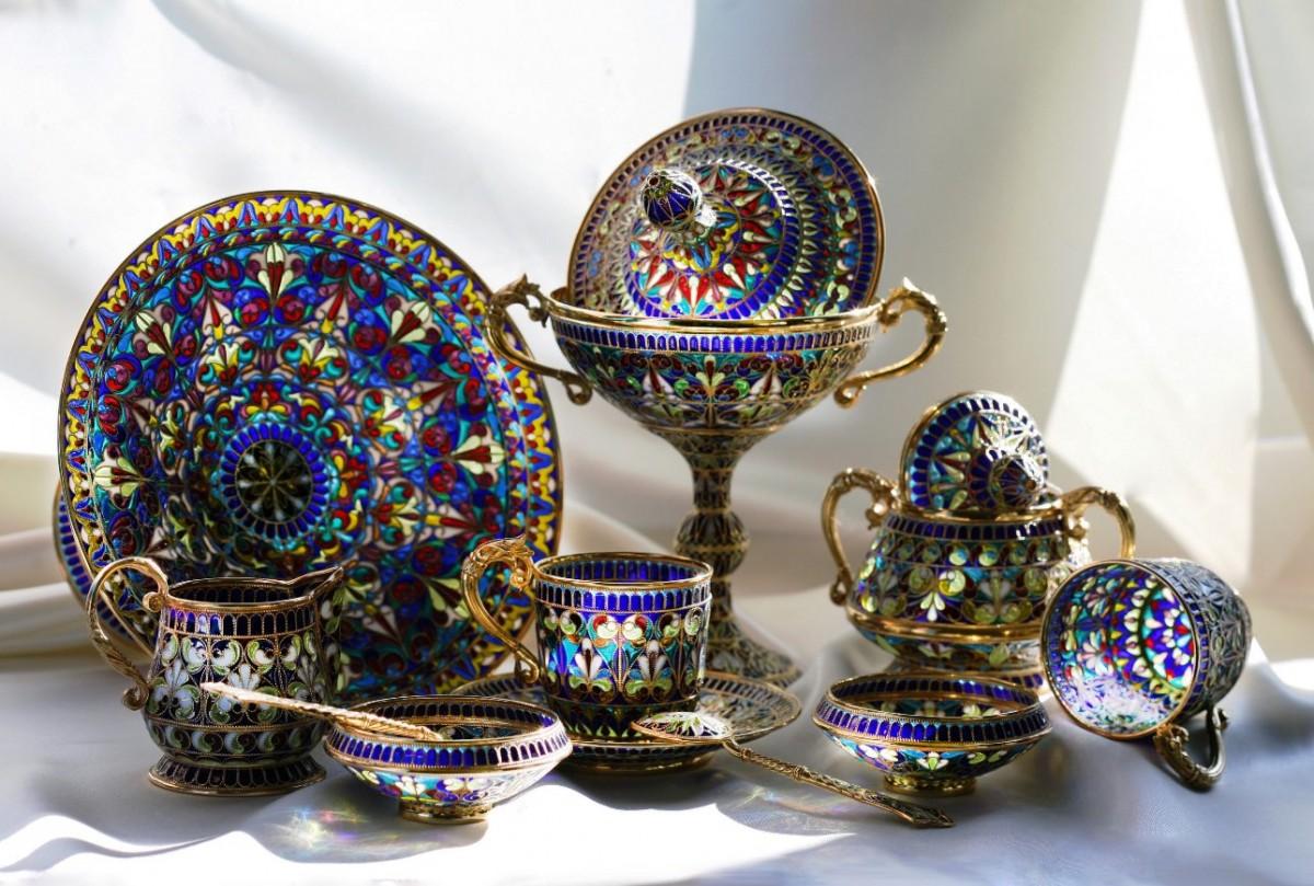 Лучший подарок женщине посуда из витражной эмали