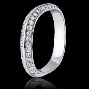 Квадратное кольцо с бриллиантами