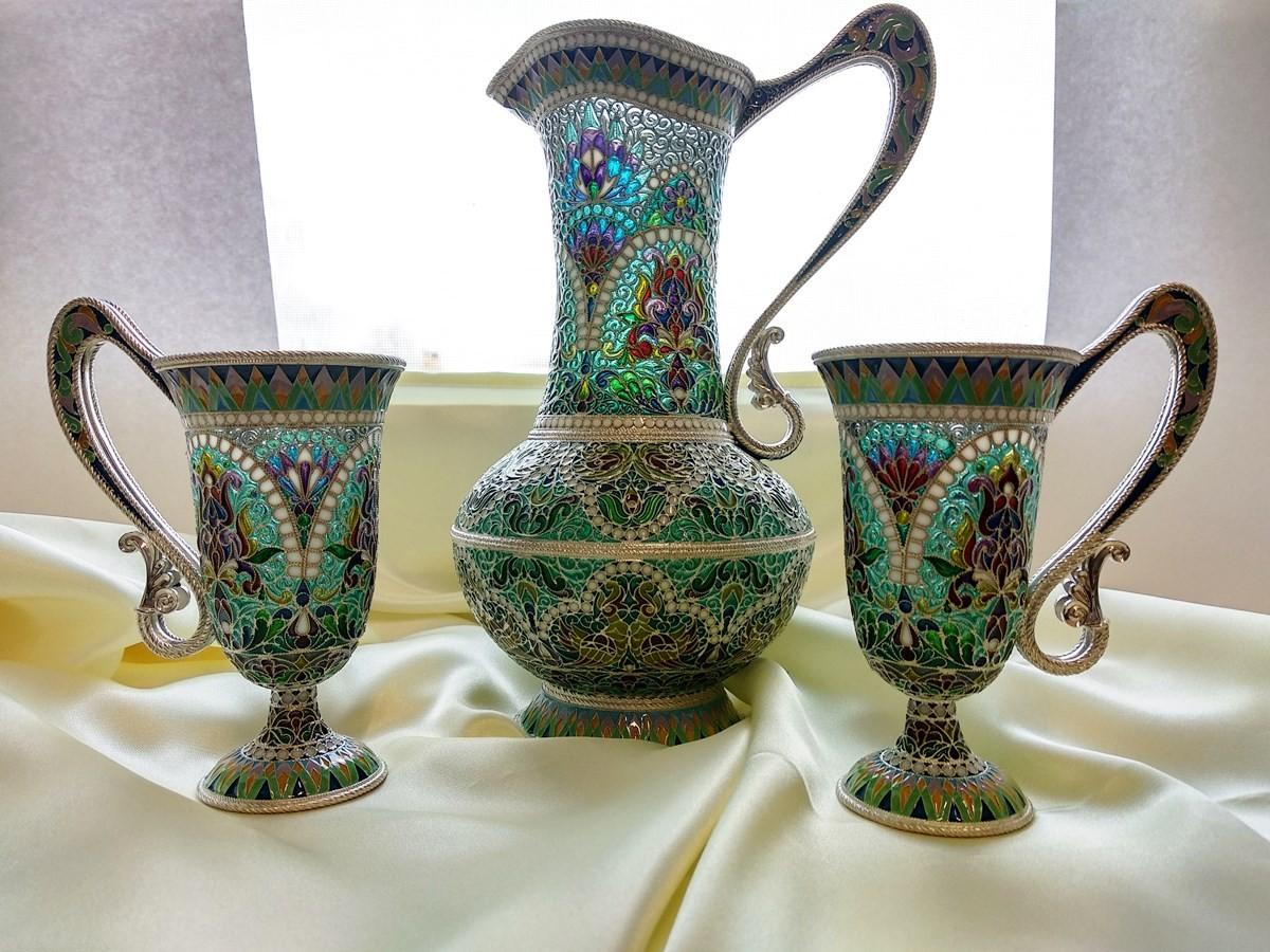 Кувшин и пара стаканов из витражной эмали