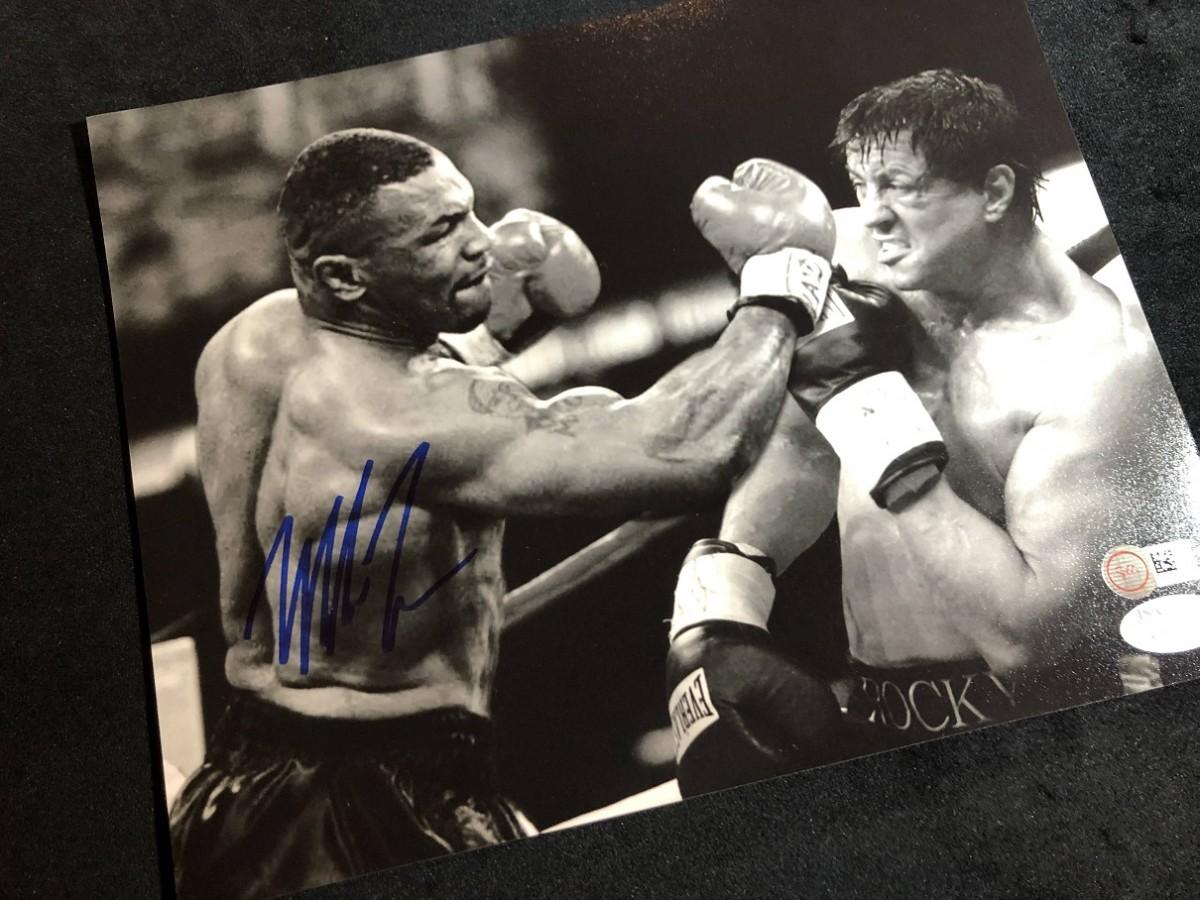 Автограф Майк Тайсон (фото со Сталлоне)