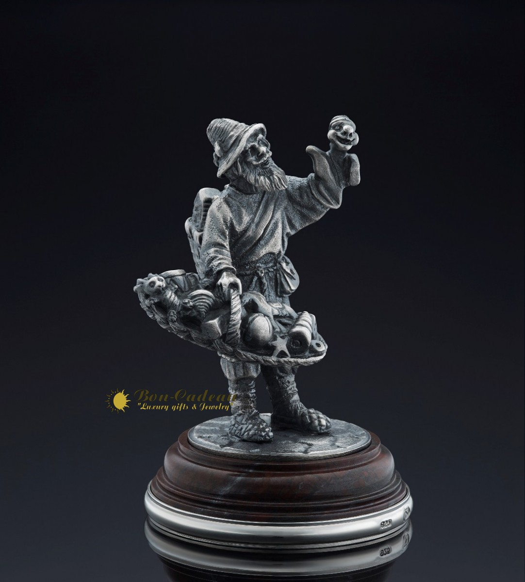 Фигурка Торговец игрушками (серебро, h=9 см)