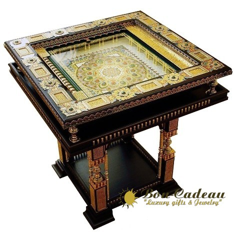 Игровой стол для игры в нарды (латунь, дуб, золото, коралл, камни)