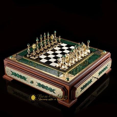 Шахматный ларец из камня
