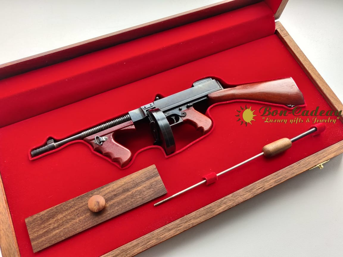 Стреляющий пулемет Томпсона М1 (1:4)