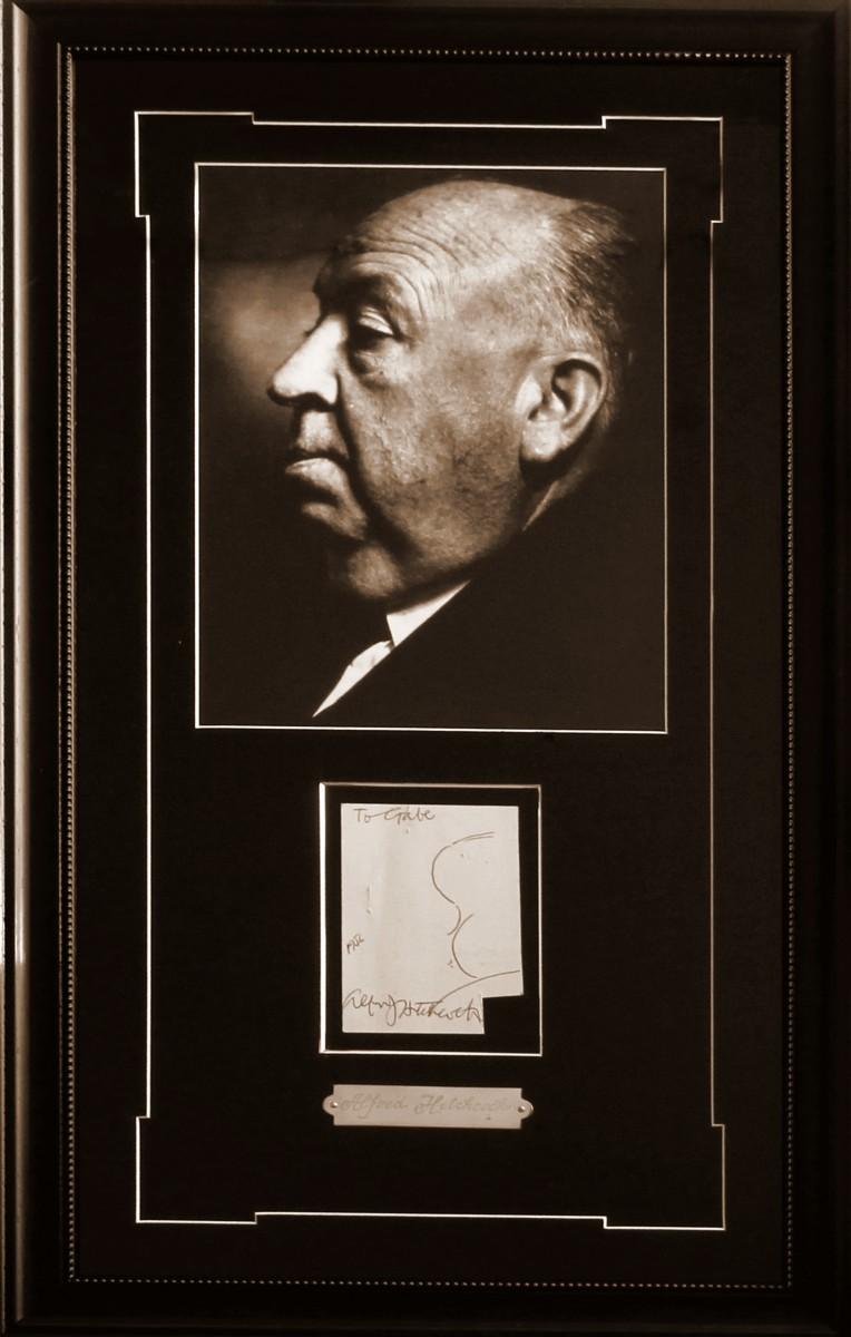 Альфред Хичкок (автограф на открытке)