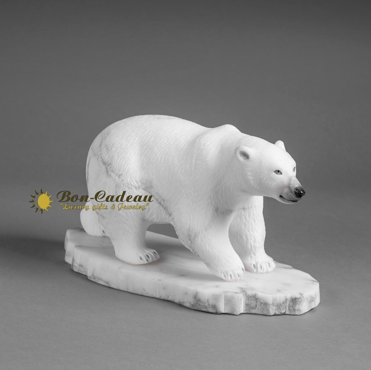 Скульптура из бивня мамонта Белый медведь