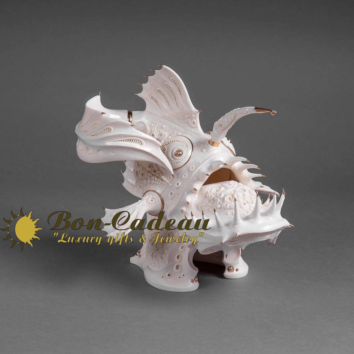 Скульптура Глубоководный удильщик (мамонт, золото)