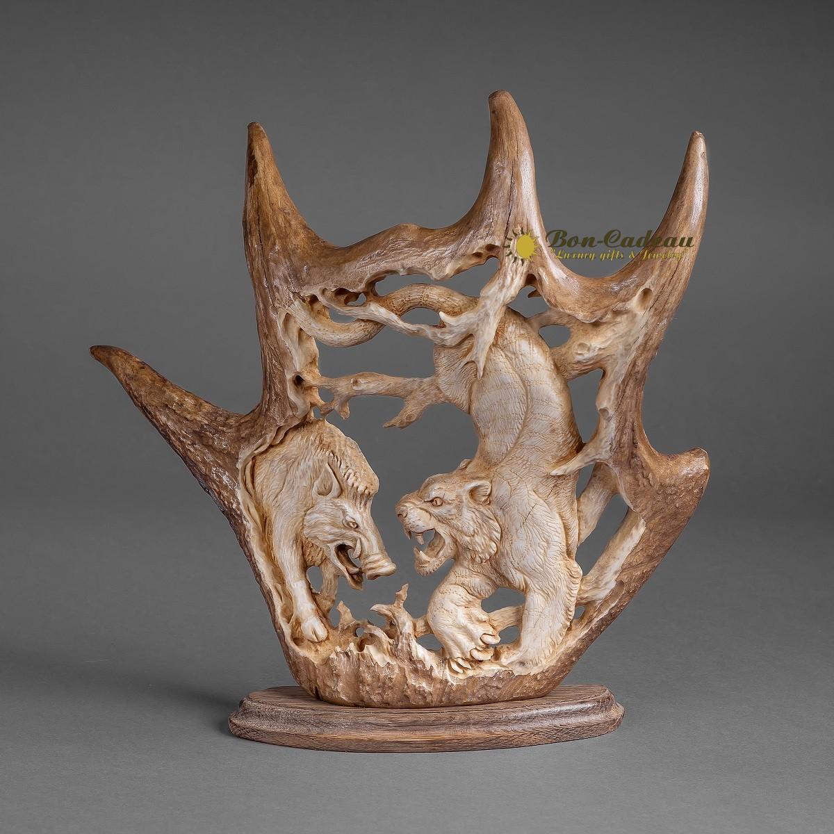 Скульптура Кабан и Тигр (рог лося)