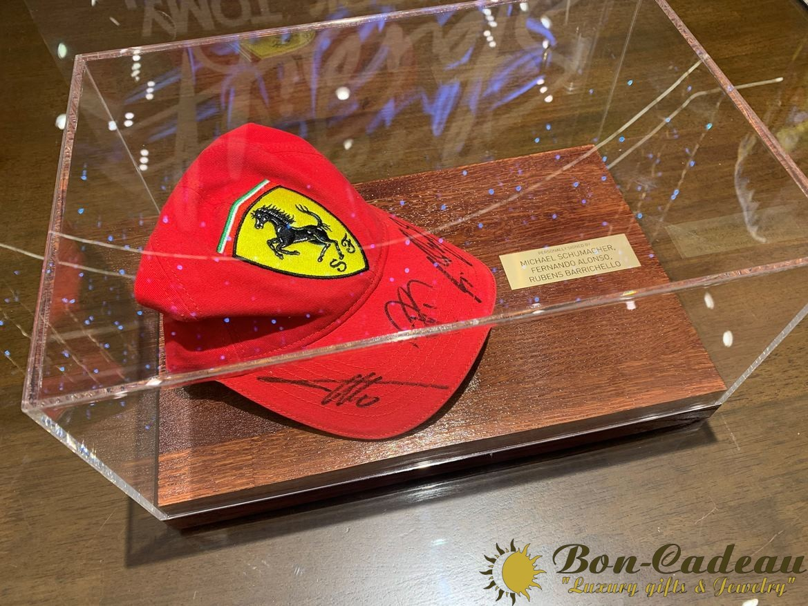Автограф 3-х гонщиков на кепке: Шумахер, Алонсо, Баррикело