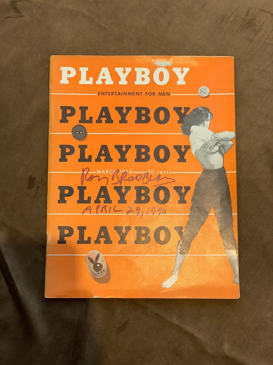 Рэй Брэдбери (журнал Playboy с двумя автографами на обложке и на 3 странице)