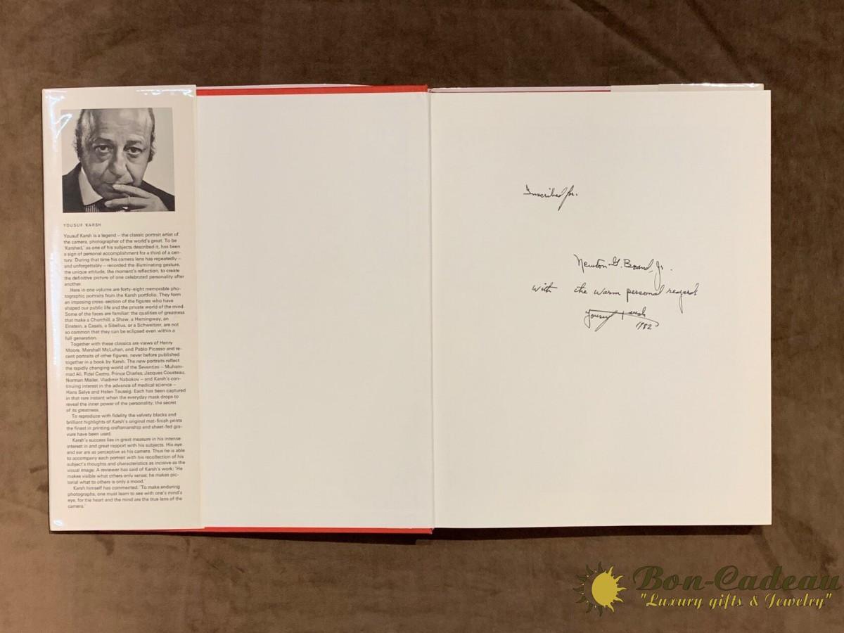 Автограф Юсуфа Карша (на книге)