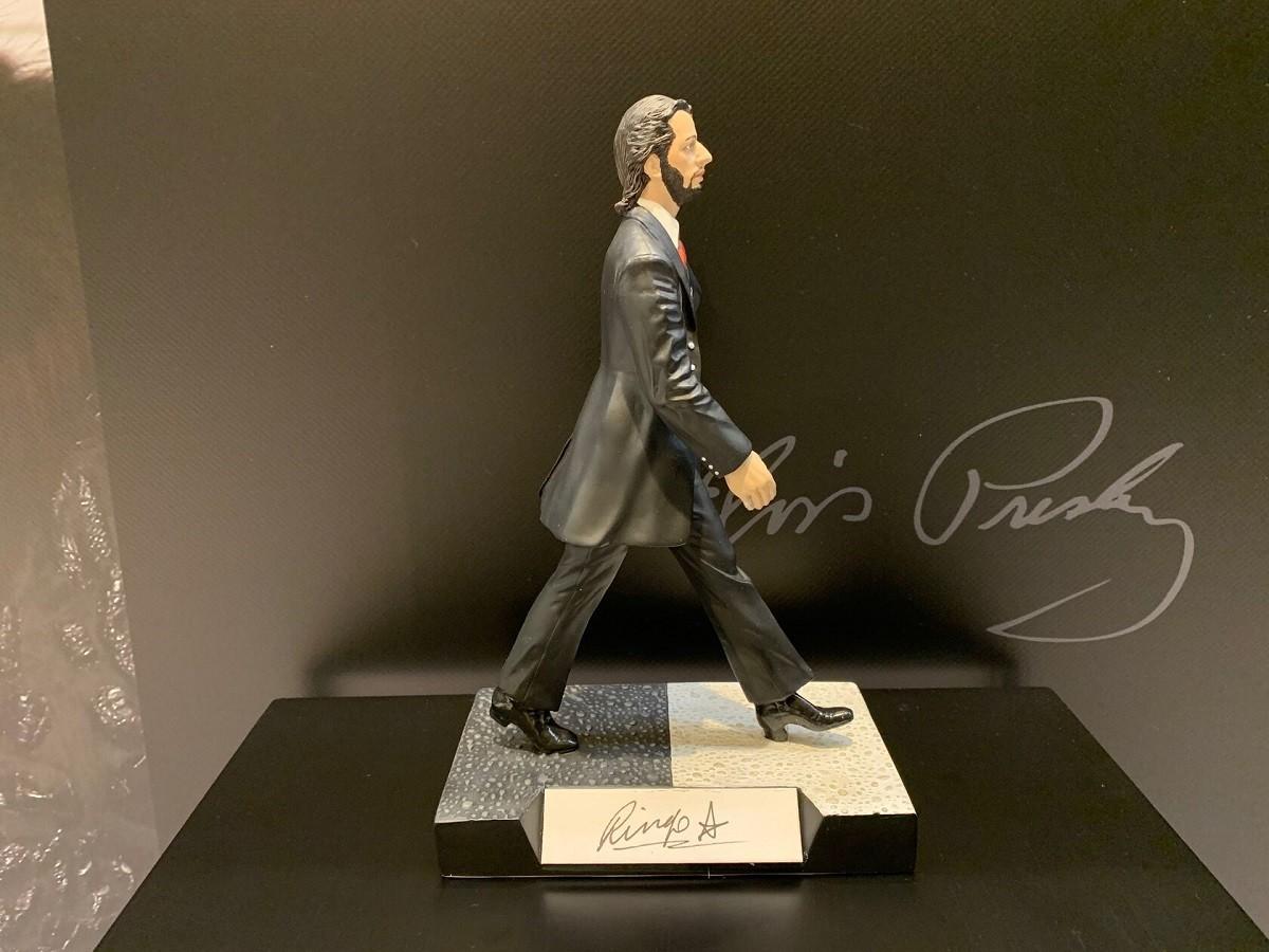 Автограф Ринго Старр (на коллекционной статуэтке)