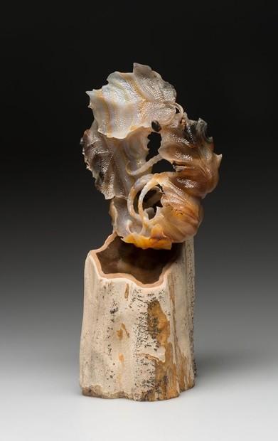 Арт-объект Осенняя лента Мебиуса (сердолик)