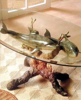 """Авторский столик """"Два влюбленных дельфина"""""""